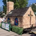 Community and Float Building = Grand Prize!